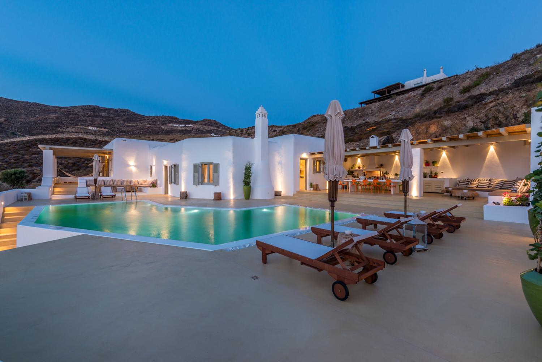 Best Island Beaches For Partying Mykonos St Barts: LUXURY VILLAS FOR RENT
